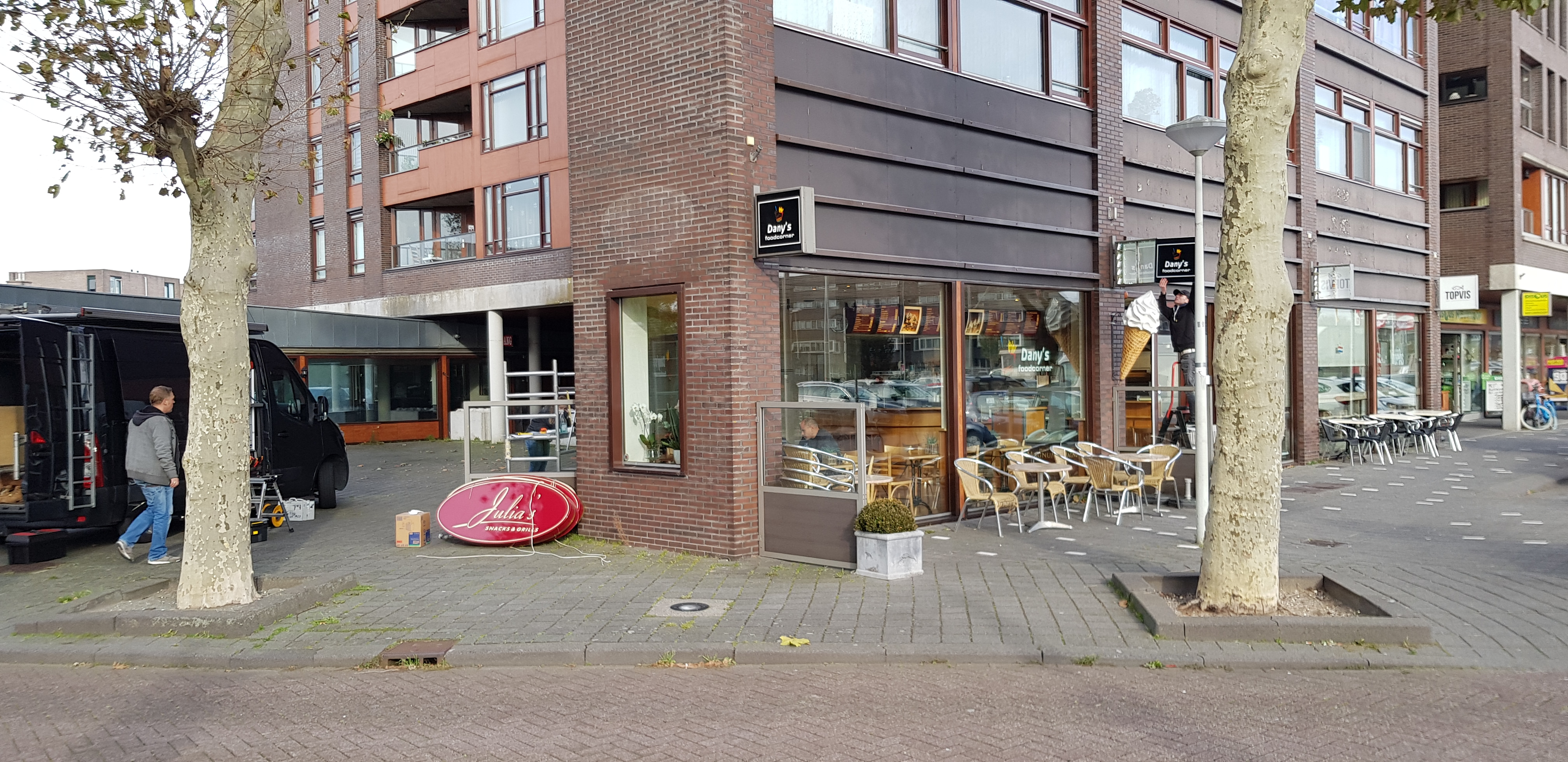 Julia's is gewijzigd in Dany's Foodcorner